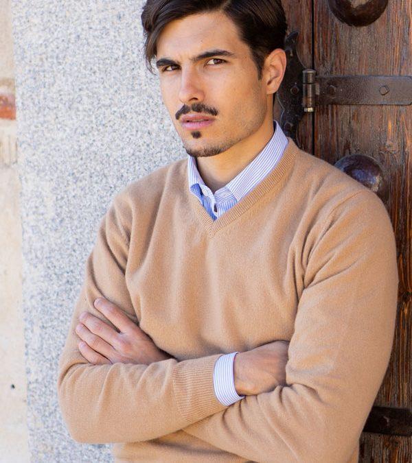 Jersey modelo Seattle cuello pico 100% cashmere